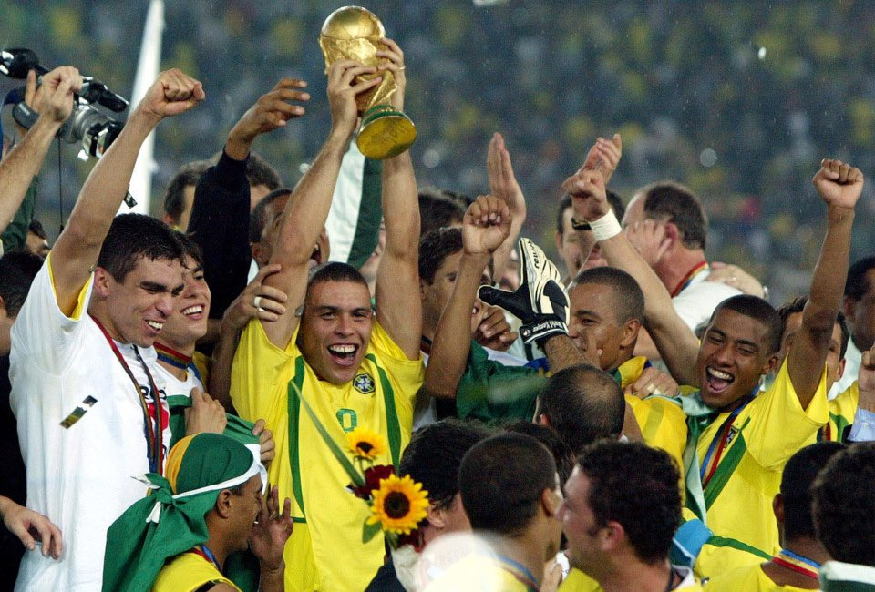 Brazil lifts the trophy 2002